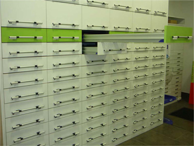 X Series Pharmacy Drawer Systems Lockable